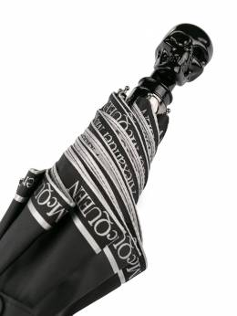 Alexander McQueen зонт с ручкой в виде черепа 5577084A37Q
