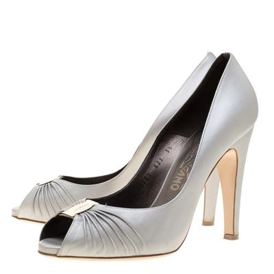 Salvatore Ferragamo Grey Leather Fiberia Peep Toe Pumps Size 40 187017 - 3