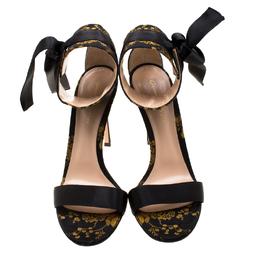 Gianvito Rossi Floral Printed Satin Kimono Ankle Cuff Sandals Size 40 206295
