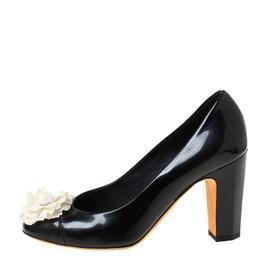 Chanel Black/White Leather Camellia Cap Toe Pumps Size 38 222223