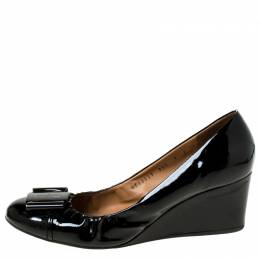 Salvatore Ferragamo Black Patent Leather Scrunch Buckle Wedges Pumps Size 39.5 225109