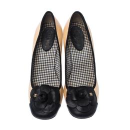 Chanel Beige/Black Leather Camellia Cap Toe Block Heel Pumps Size 39 233807