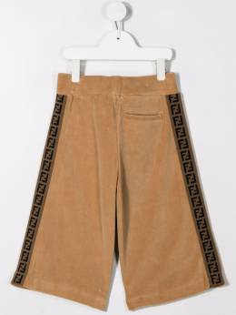 Fendi Kids велюровые шорты с логотипом JMF223A7LQF0QB9