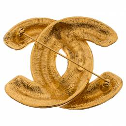 Chanel Vintage CC Logo Quilted Gold Tone Brooch 237958
