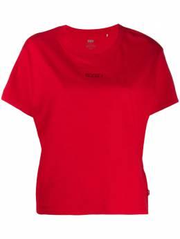 Levi's укороченная футболка с вышитым логотипом 699730047