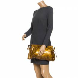 Gucci Metallic Gold Patent Leather Large Hysteria Clutch 244360