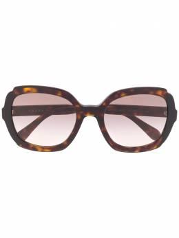Prada Eyewear солнцезащитные очки в массивной оправе SPR16U